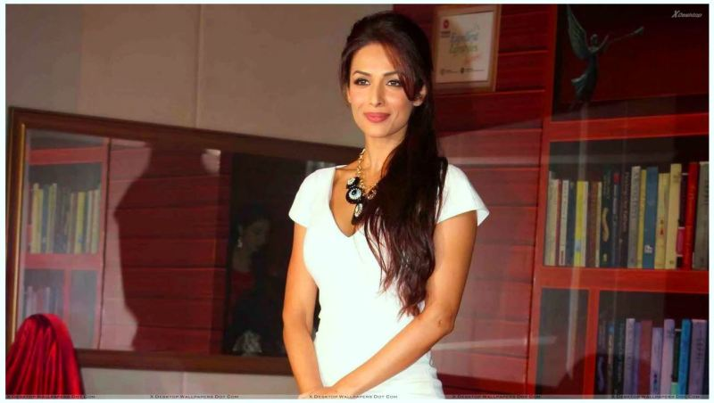 Malaika Arora Khan In White Top At Taiwan Excellence 2012