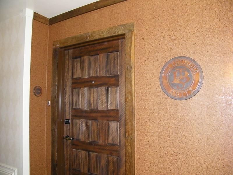 20110602_big_thunder_suite_disneyland_hotel_ (1)