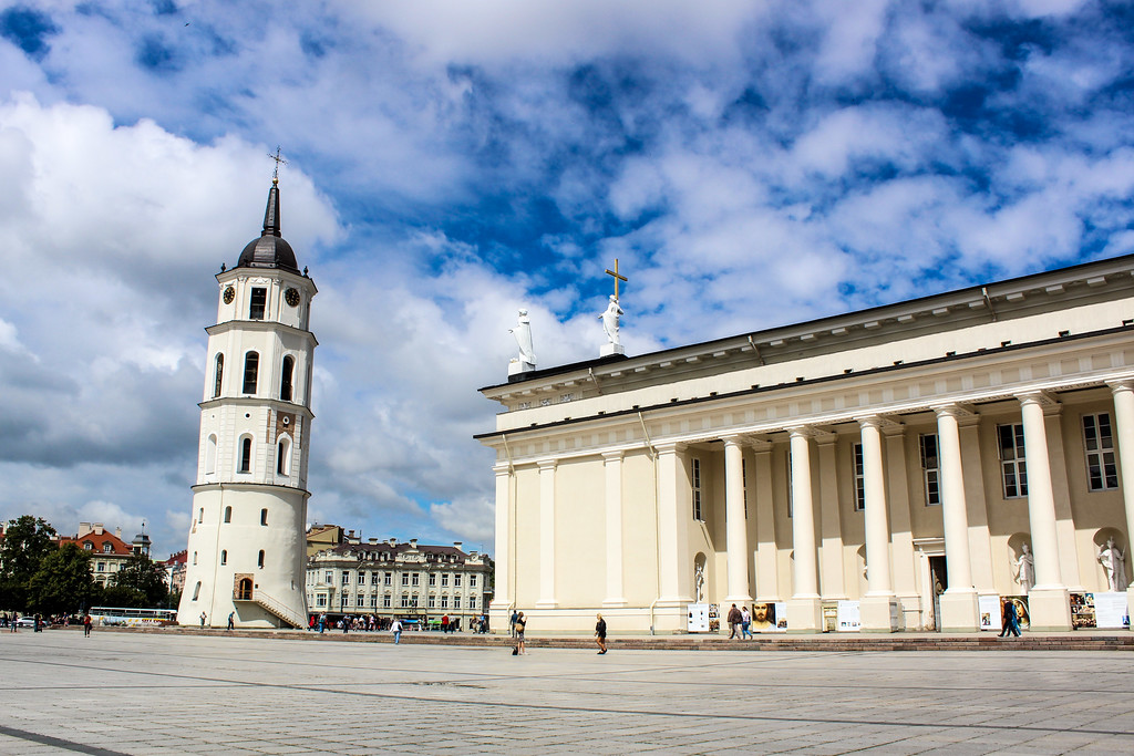 vilnius what to do: lots of palaces