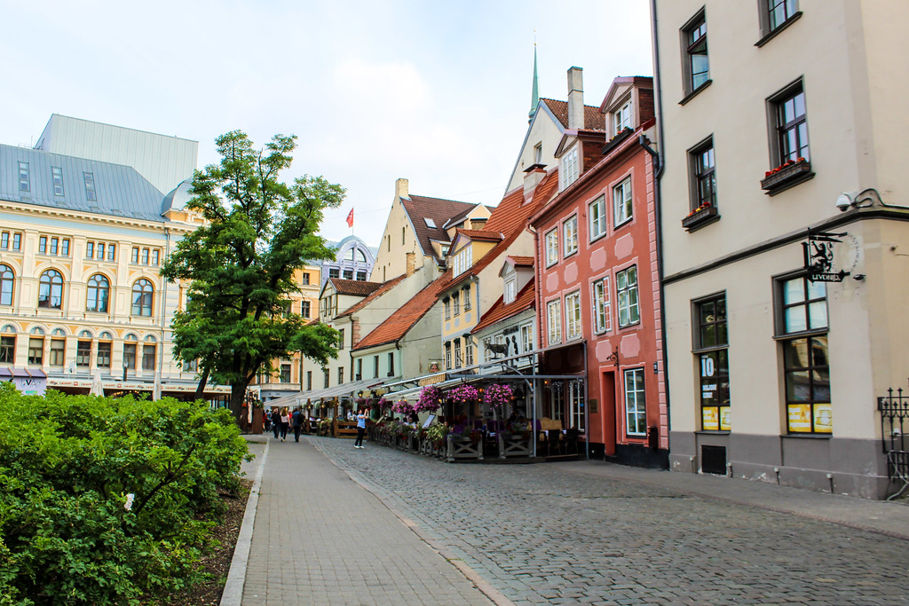 solo female travel in europe