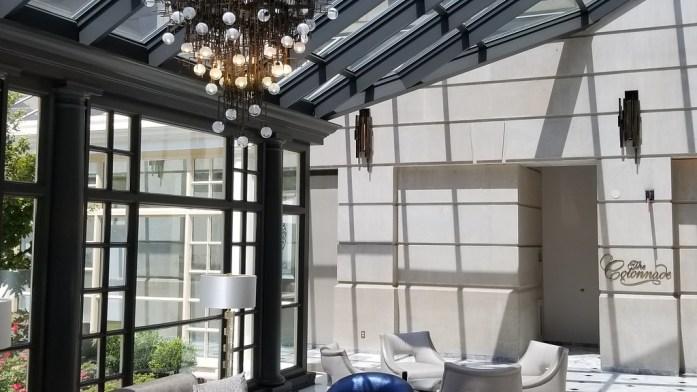 Elegant Lounge and Bar at Fairmont