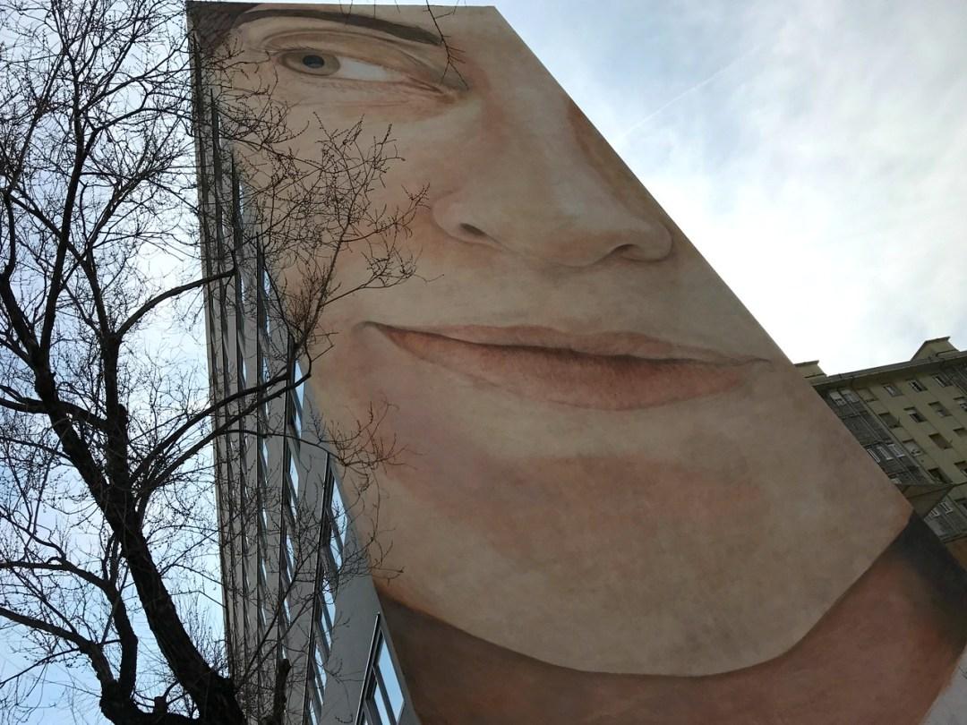 Giant mural in Poblenou - Street Art of Barcelona - StreetArtChat.com