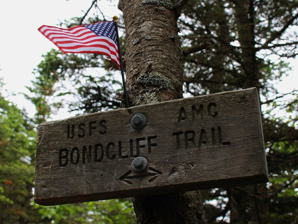 Bondcliff trail sign on the Best Hike in New Hampshire