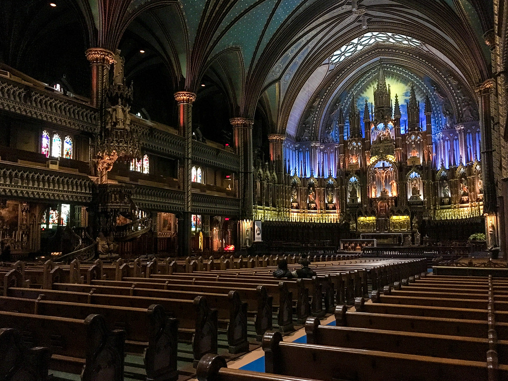 This amazing basilica should be a big stop on your montreal weekend trip