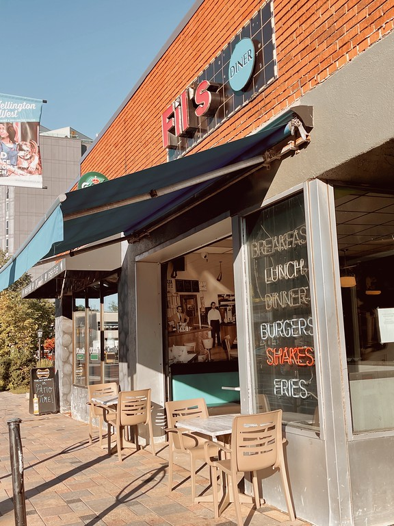 Fil's Diner - A Fat Girl's Guide to Eating in Ottawa
