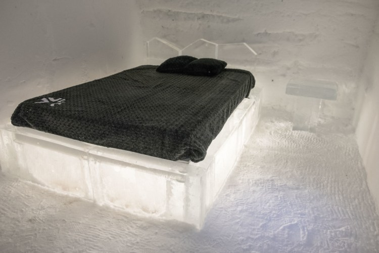 A standard room at Hôtel de Glace