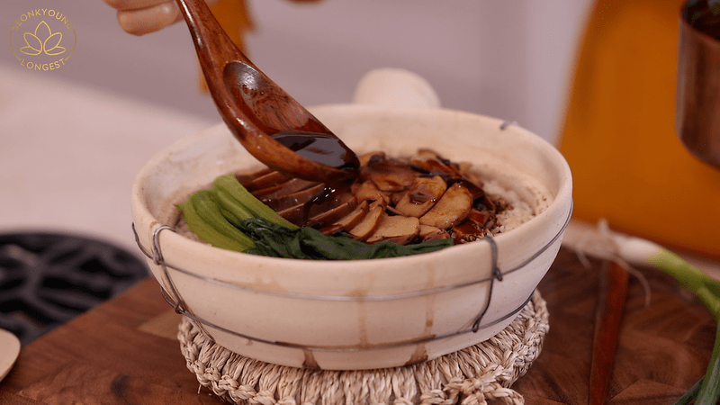 Chinese clay pot rice