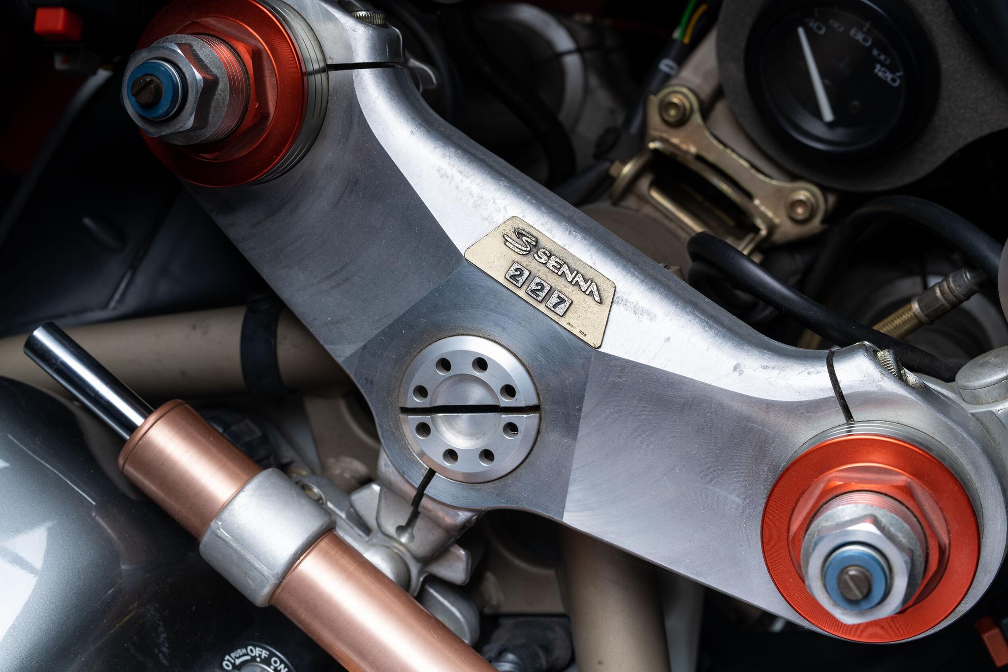 6 Miles – 1995 Ducati 916 Senna