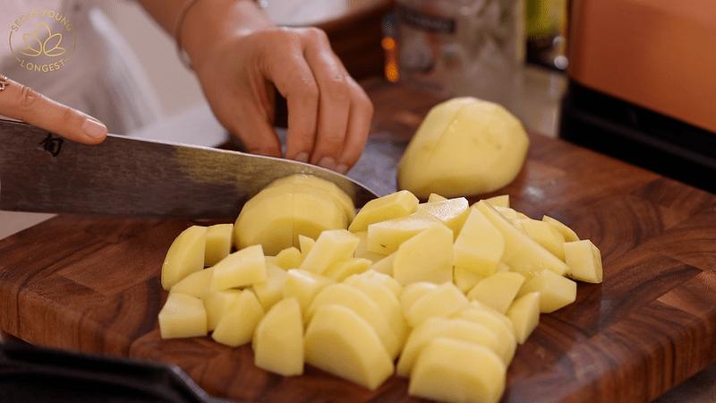 Dicing potatoes