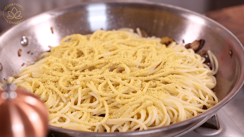 Pasta with Garlic and Olives Recipe, adding nutritional yeast