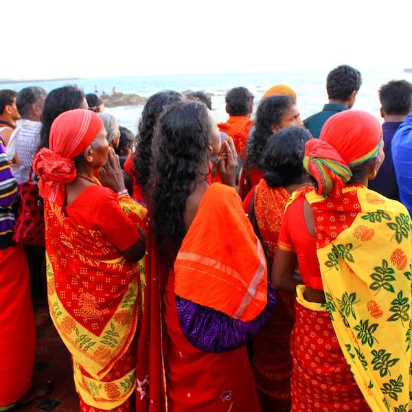 India women praying