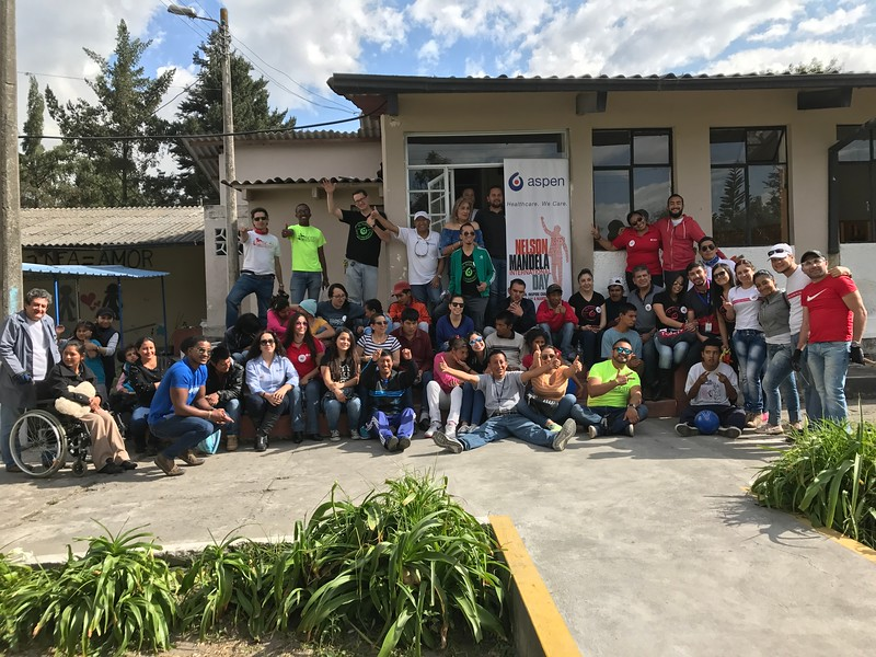 Ecuador%201%20-%2018%20ASPEN%20Volunteers%2C%207%20representatives%20from%20Radicals%20Marked%20by%20Christ%2C%2015%20residents%20and%205%20members%20of%20the%20Home%20Center%20Staff.-L.jpg