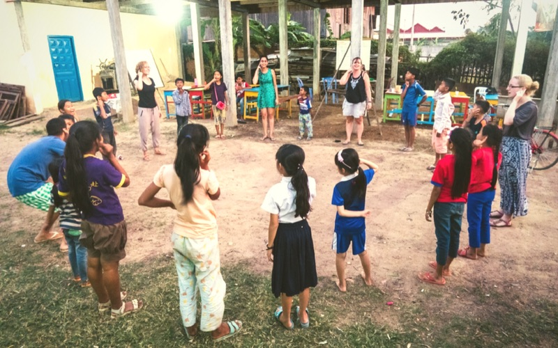 volunteer in Cambodia responsibly at the Dolphin School of English