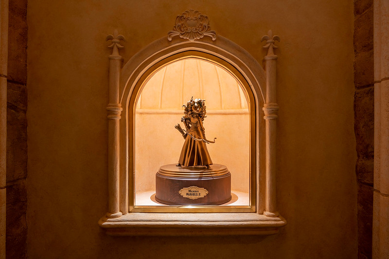hong kong disneyland castle of magical dreams interior (8)
