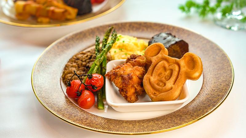 Disney Princess Breakfast Adventures at Disney's Grand Californian Hotel & Spa - Savory Buffet Entrées