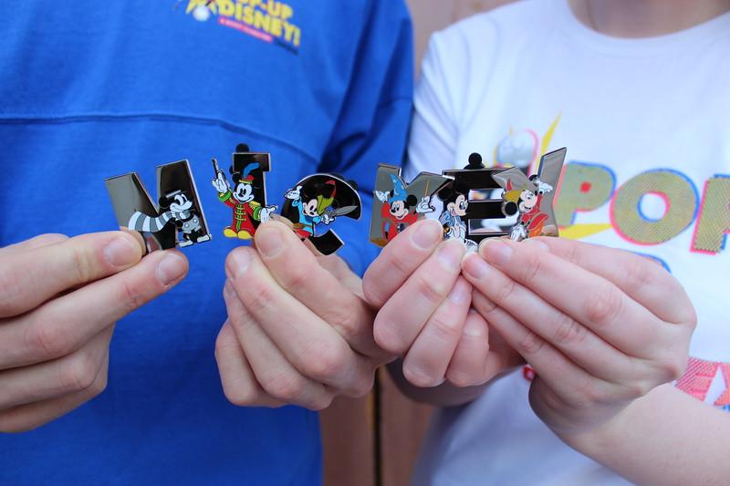 Pop-Up Disney! A Mickey Celebration – Pins