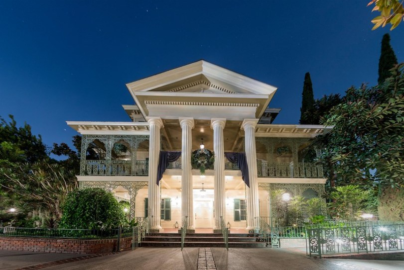 Haunted Mansion at Disneyland Park