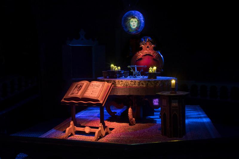 Haunted Mansion at Disneyland Park – Madame Leota