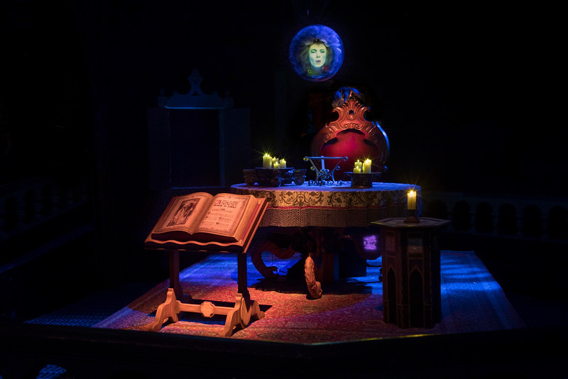Haunted Mansion at Disneyland Park – Madame Leota