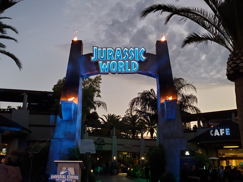 Steven Spielberg plus cast and crew go behind the scenes of JURASSIC WORLD—THE RIDE