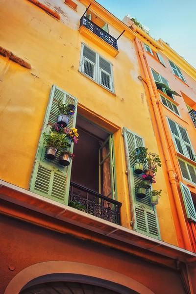 Windows in Monaco City