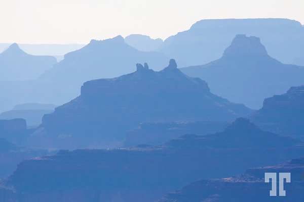 Mountain crests silhouettes in Grand Canyon South, Arizona