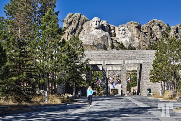 Entrance to the Rushmore monument park