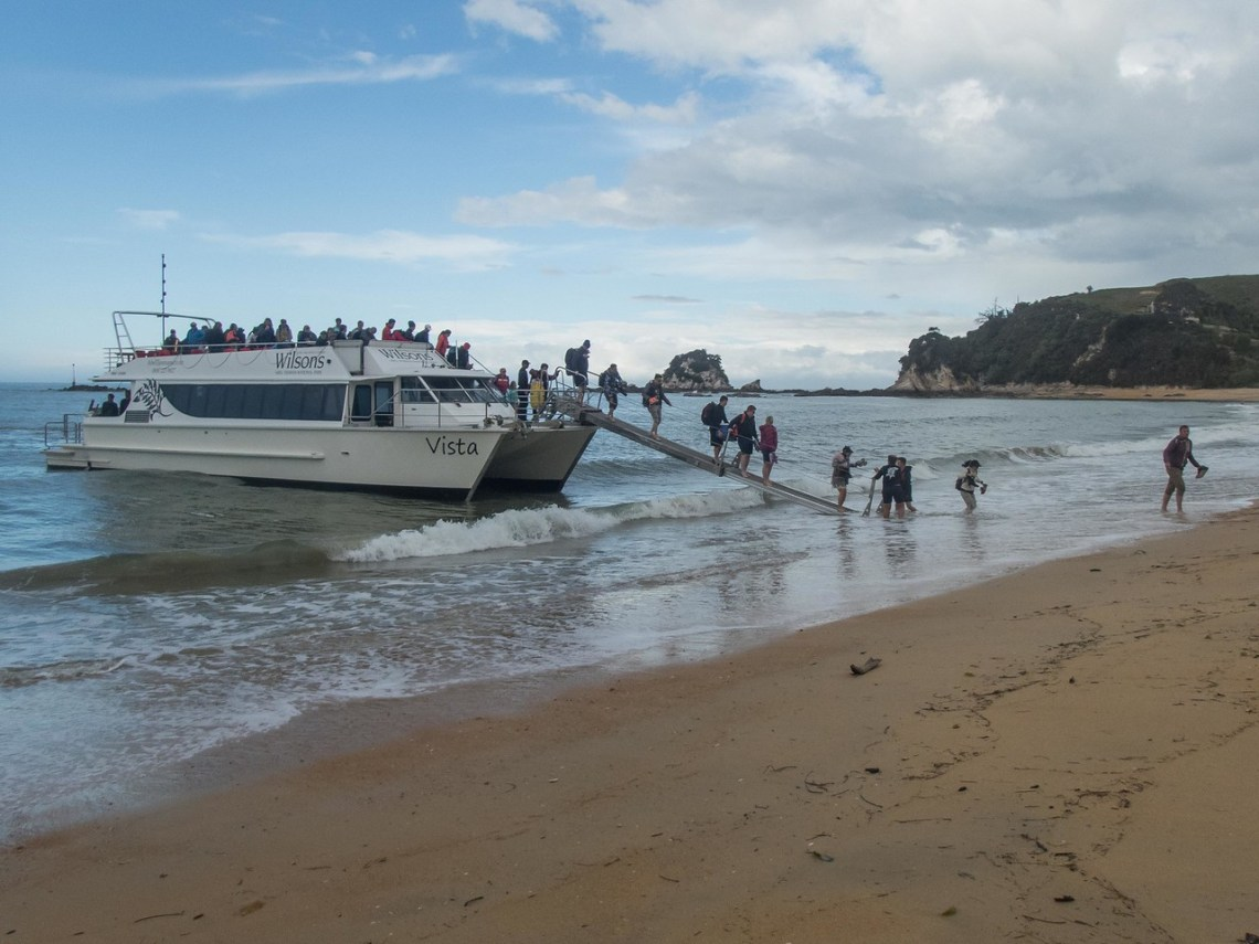 The Vista Boat drops us at Kaiteriteri