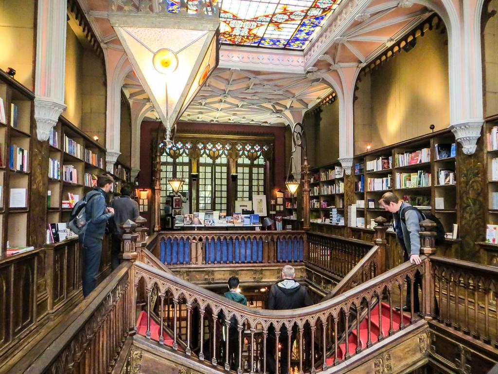 time to go explore livraria lello bookstore