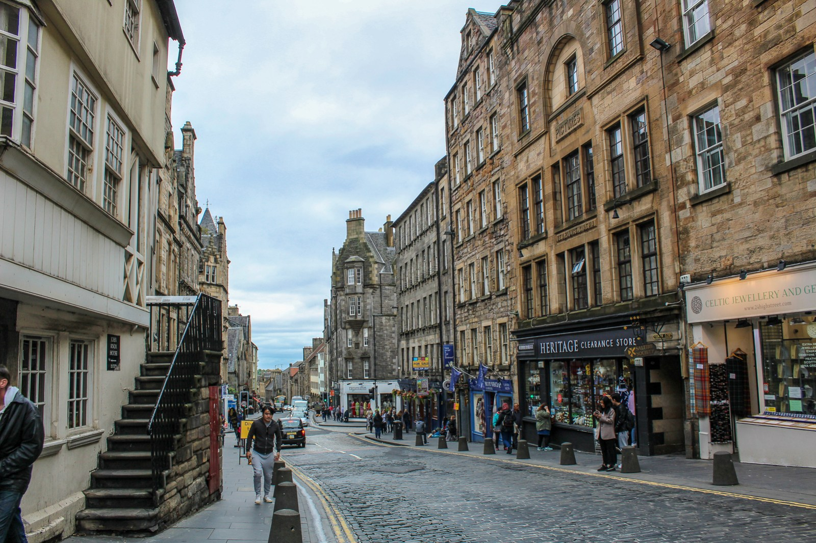 spend edinburgh in two days walking on the royal mile