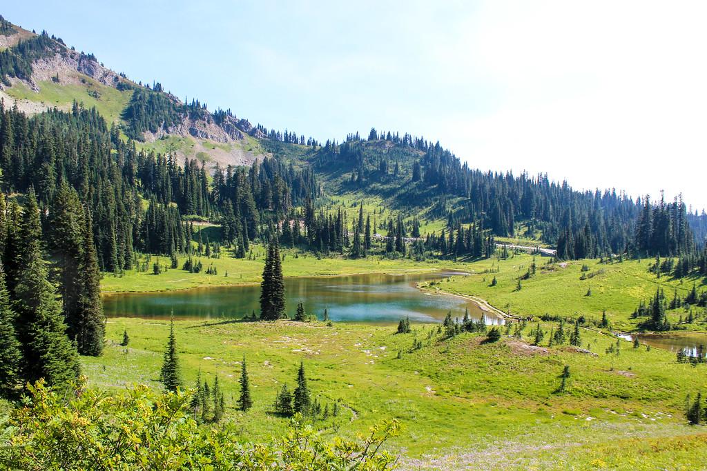 perfect lakes on your mt rainier day tour