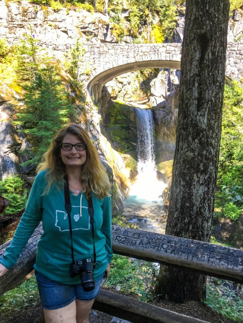 see all sorts of waterfalls on your mt rainier day tour from seattle