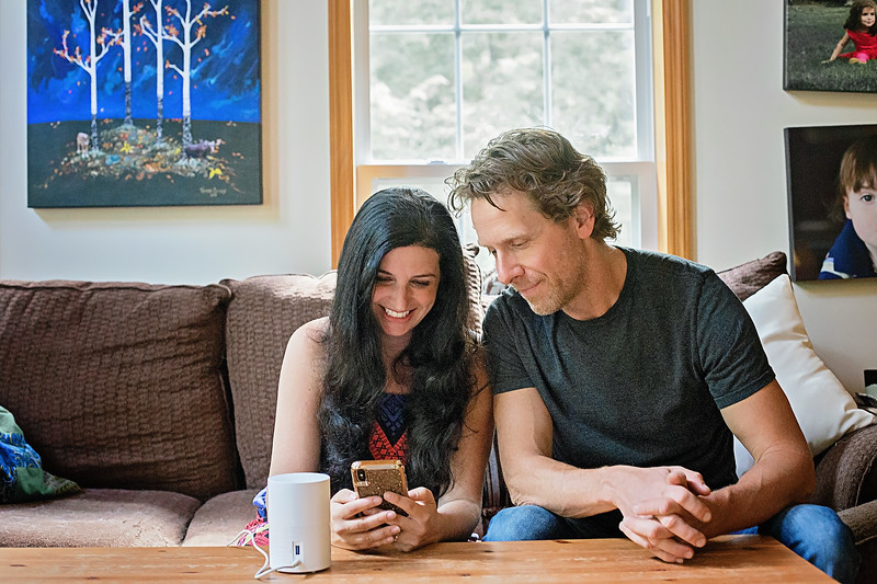 #sponsored Meet ibi, a smart photo manager from Sandisk, that makes the perfect Father's Day gift today and is the easiest way to share photos! #IC @meetibi
