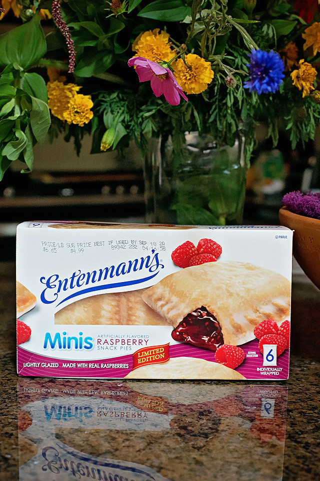 #ad Enter the Entenmann's®  Mini Acts of Kindness sweepstakes for a chance to win a grand prize of $10,000, and other prizes too! #Entenmanns #MiniActsofKindness