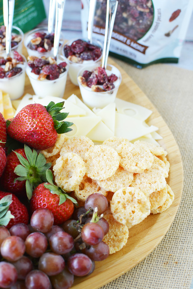 #ad Elevate your summer picnic with a delicious grazing board using Fresh Gourmet  products from Sam's Club. #FreshGourmetatSamsClub @SamsClub