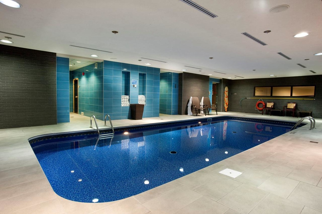 Quebec City hotels with a pool: Hotel Chateau Laurier Quebec