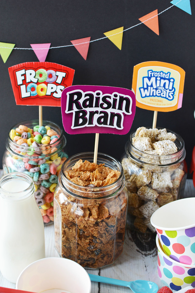 Here's how to have a fun cereal party right at home! #ad Do your kids love sleepovers? This is perfect for next morning with fun scoops, cups, and toppings!