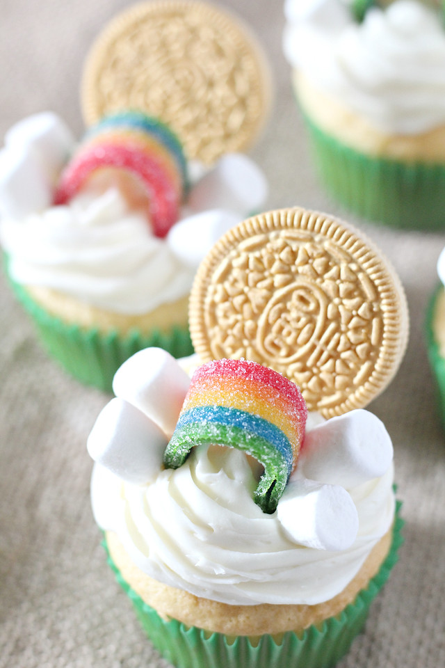 These St Patrick's Day Over The Rainbow Cupcakes are completely delightful and festive for a fun class or friends party, or a delicious celebration at home!