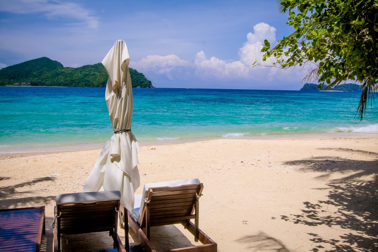 If you are looking for paradise, a visit to El Nido is a must. For a truly luxurious attraction, don't miss a stay at El Nido Resorts Pangulasian Island.
