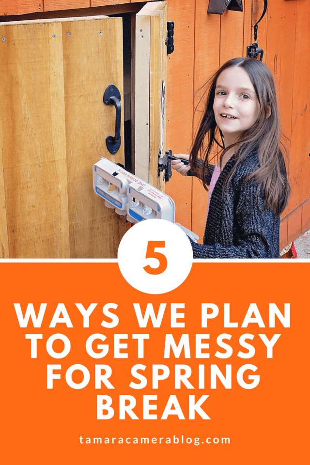 We're coming up on spring break and we're planning to get MESSY this year! Luckily we have a solution for all those messes! #ad #KleenexWetWipes #MadeforDoers #OnTheGo #NoHarshChemicals