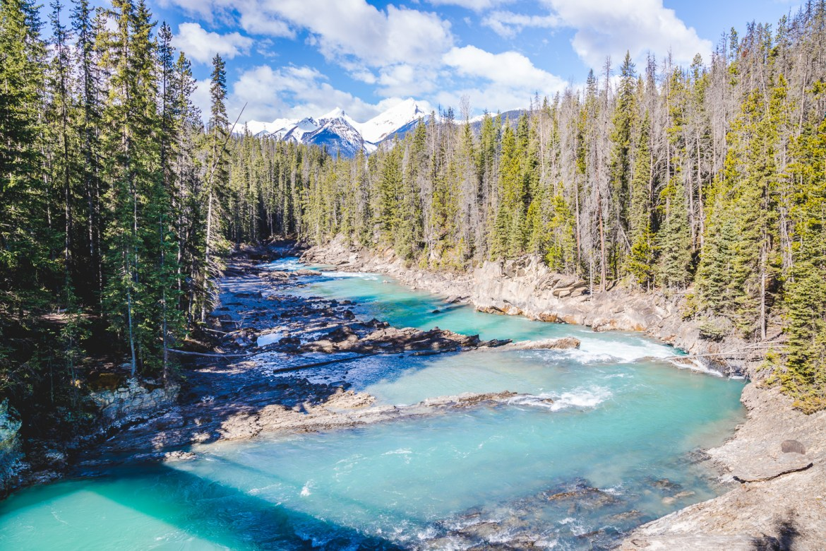 Canada is a national park haven with so many across the country. YOHO National Park Canada has stunning landscape and hiking trials just an hour outside of Banff. | www.eatworktravel.com - The luxury, adventure travel couple!