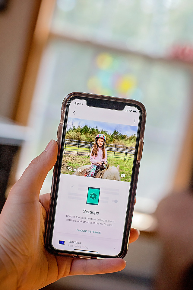 Technology can be a difficult topic to tackle for families. These 3 tools will help you start your own family digital wellbeing plan. #ad #digitalwellbeing