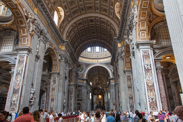 The Vatican is one of the most popular places in Rome, Italy. They offer a limited number of early entrance admissions, is it worth the extra money? | www.eatworktravel.com The luxury, adventure couple!
