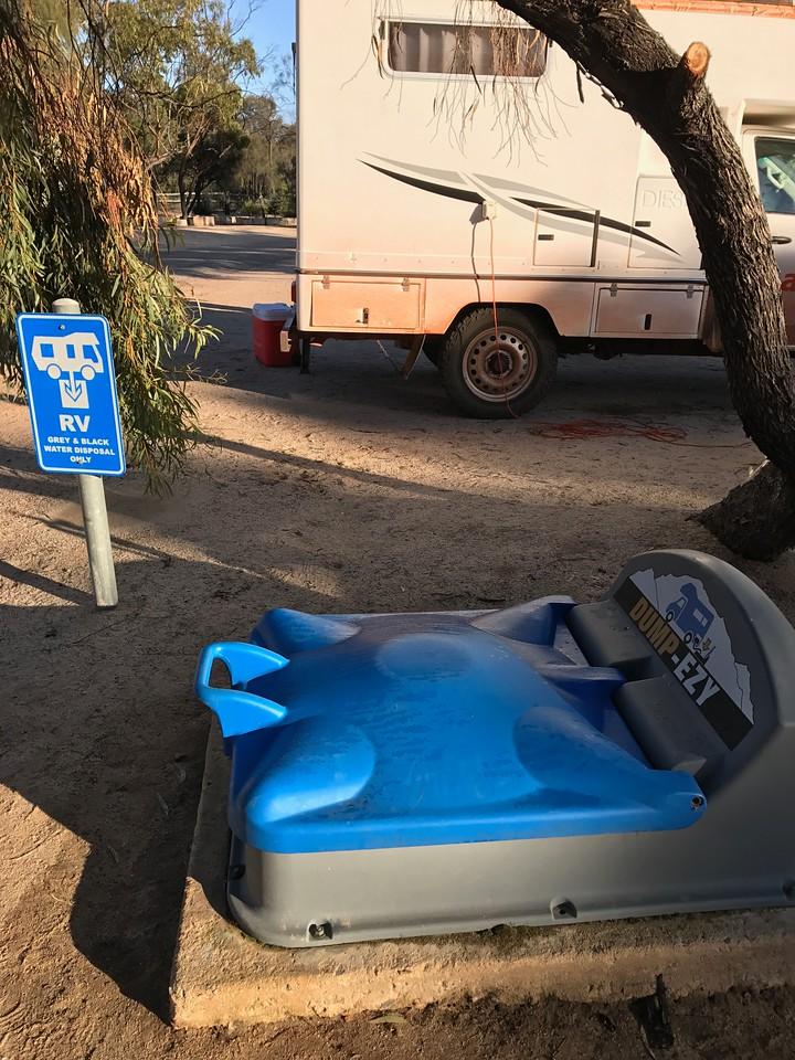 Dispose black water in campervan