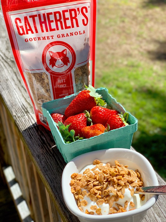 What's your favorite flavor of Gatherer's Gourmet Granola? This granola is delicious, & right now is 15% off for you with coupon code: GranolaBlogB! Don't miss! #ad