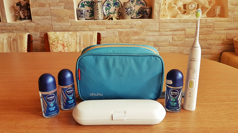 Full-time traveler - toiletry bag