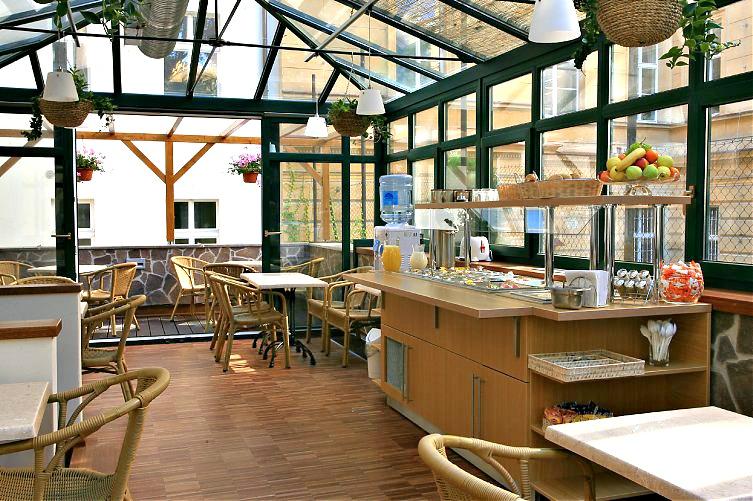 Small Hotels in Prague - breakfast room