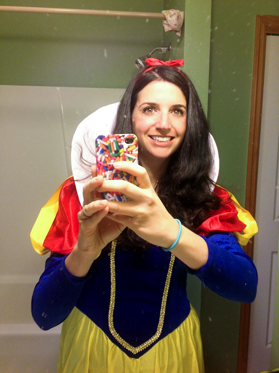 snow white costumes