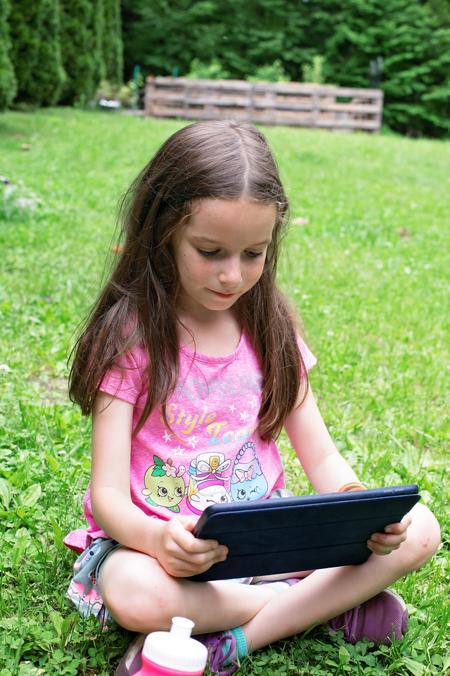 Habitz is a free, fun-to-use, customizable app that helps to empower and educate your kids to make healthy choices. Here are 5 FUN ways we help our kids develop healthy habits that they can take with them throughout life. #ad #Habitz