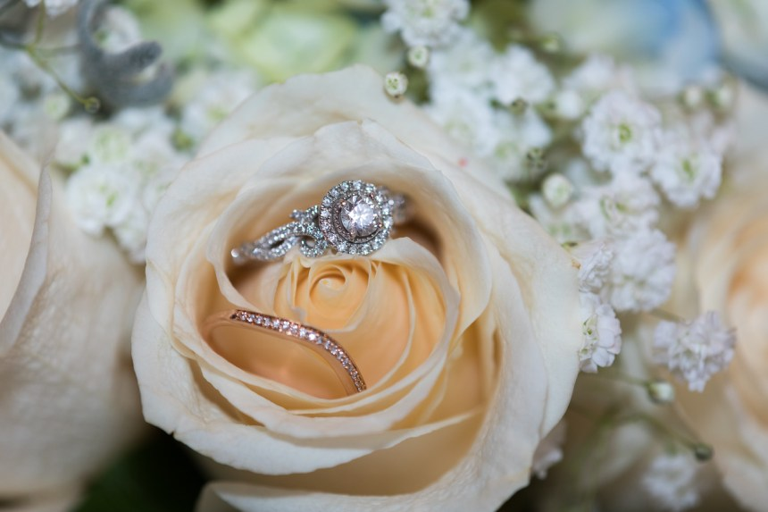 Photographed in December.   The bridal set and bouquet.